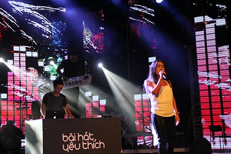 """Ca sĩ Nhật Thu sẽ biểu diễn trong liveshow Bài hát yêu thích tháng 10 cùng với DJ Hoàng Touliver trong """"Em và đêm"""" - một sáng tác mới của nhạc sĩ Nguyễn Tùng"""