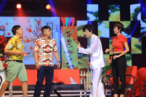 Trấn Thành cùng với Thu Trang, Anh Đức và La Thành sẽ gửi đến khán giả một tiết mục hài kịch.