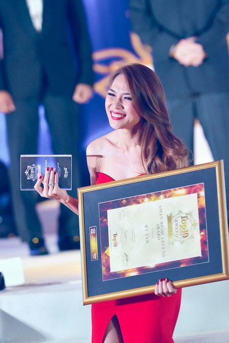 Mỹ Tâm nhận Giải thưởng Huyền thoại Âm nhạc Châu Á