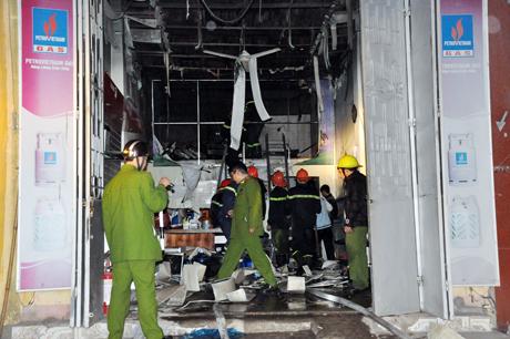 Cửa hàng kinh doanh gas Quảng Phong xảy ra nổ lớn.