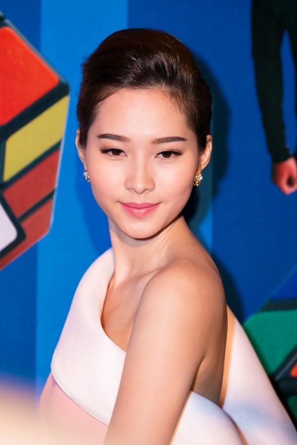 """""""Soi"""" tóc đẹp và đẳng cấp của sao Việt tại Elle Fashion Show 1"""