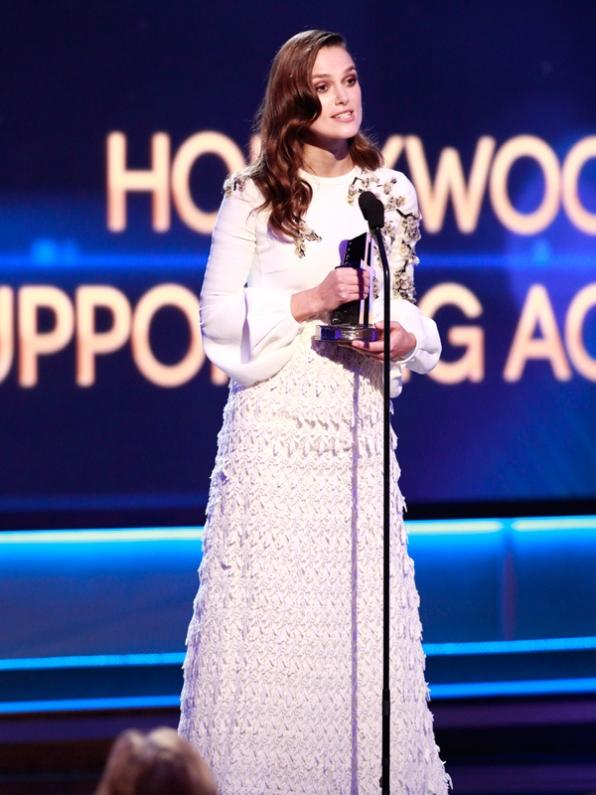 Keira Knightley phát biểu khi nhận giải Nữ diễn viên phụ xuất sắc nhất