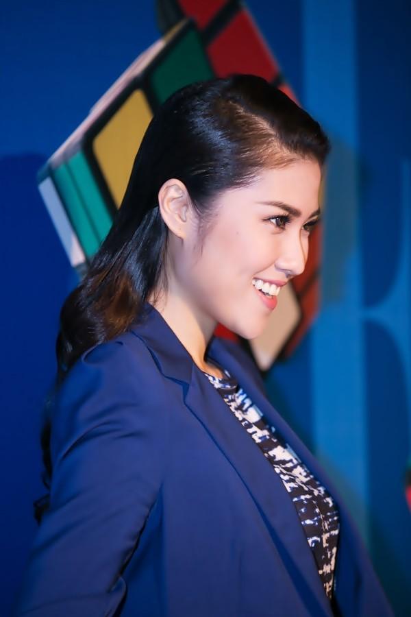 """""""Soi"""" tóc đẹp và đẳng cấp của sao Việt tại Elle Fashion Show 11"""