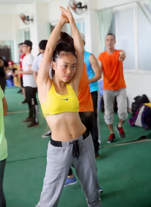 Sau khi sinh con gái gần 9 tháng, Đoan Trang đã lấy được dáng chuẩn thon gọn hơn thời gái son.