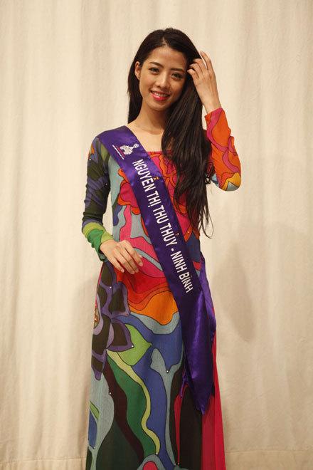 Người đẹp đến từ Ninh Bình nền nã trong tà áo truyền thống