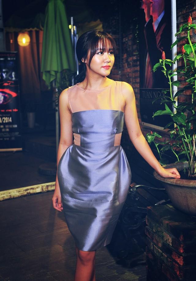 Hiện tại, Văn Mai Hương đang tất bật cho những show diễn vào mùa cao điểm cuối năm, đồng thời cô cũng chuẩn bị tung single mới, một sáng tác của nhạc sỹ trẻ Châu Đăng Khoa.