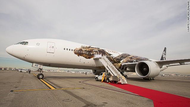 Máy bay hãngAir New Zealand nổi bật với chú rồng trên thân.