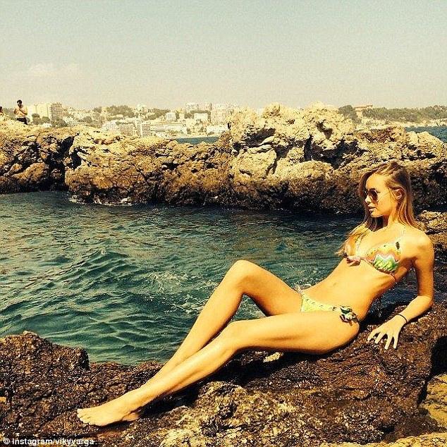 Viktoria Varga là một người mẫu Hungary nổi tiếng khắp châu Âu