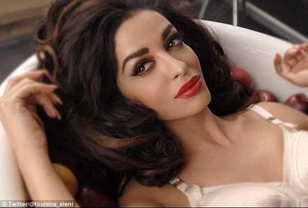 Eleni Foureira có nét hao hao minh tinh Angelia Jolie