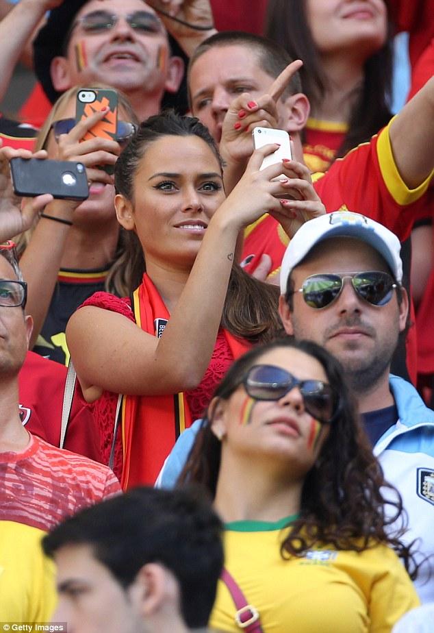Tình cảm của Diminguez và Courtois phát triển trong thời gian thủ thành người Bỉ thi đấu cho CLB Atletico Madrid.