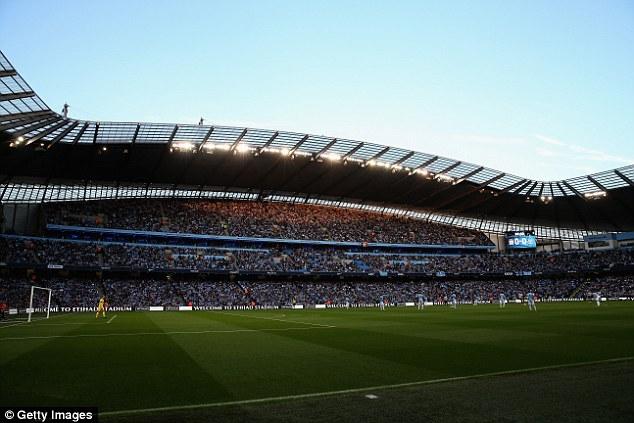 Hàng trăm cảnh sát Manchester đã được huy động để đảm bảo an ninh cho trận derby thuộc hàng hấp dẫn nhất Premier League giữa Man Utd và Man City.