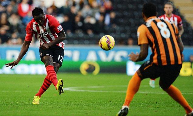 Southampton tiếp tục bay cao trên BXH Premier League 2014/15.