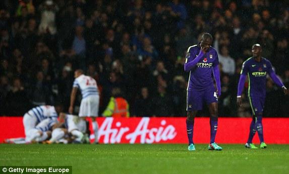 """Phải nhờ tới sự xuất sắc của Aguero, Man City mới tránh được một trận thua muối mặt trước đối thủ đang ở nhóm """"cầm đèn đỏ"""" tại Premier League 2014/15."""