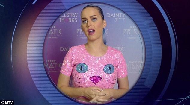Dù không có mặt tại sân vật động SSE Hydro, Katy Perry vẫn giật 2 giải thưởng lớn là Nghệ sĩ phong cách và MV ấn tượng nhất