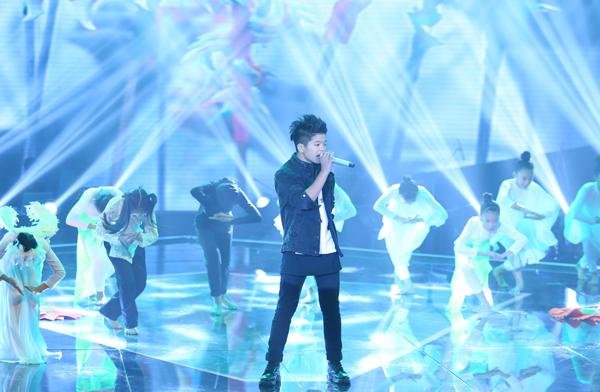 Trước đó,Quán quân Giọng hát Việt nhí mùa đầu tiên - Quang Anh - cũng gửi tới khán giả một ca khúc mới của NS Lưu Thiên Hương
