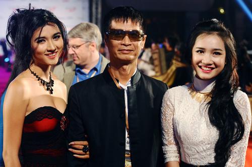 Hot girl bánh tráng tiếp tục được đạo diễn Lê Hoàng chọn mặt gửi vàng khi giao cho cô vai Cát trong bộ phim Cát nóng