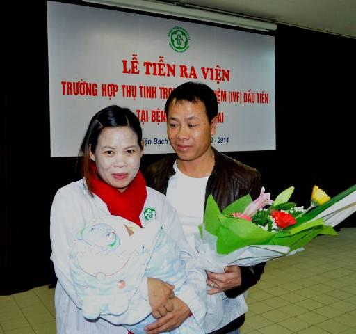 Hạnh phúc đã mỉm cười với anh chị một sau hành trình dài điều trị hiếm muộn.