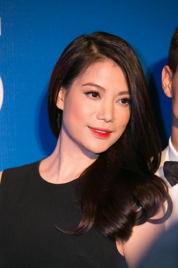 """""""Soi"""" tóc đẹp và đẳng cấp của sao Việt tại Elle Fashion Show 2"""