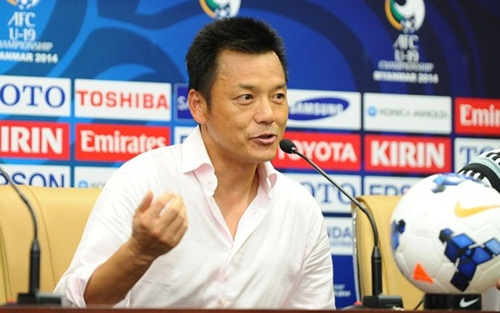 HLV Zheng Xiong ca ngợi màn trình diễn của U19 Việt Nam.