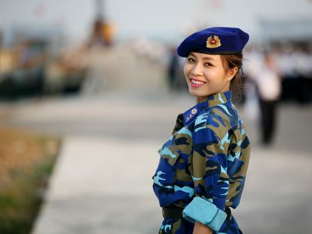 MC Hoàng Linh rạng ngời trong trang phục áo lính