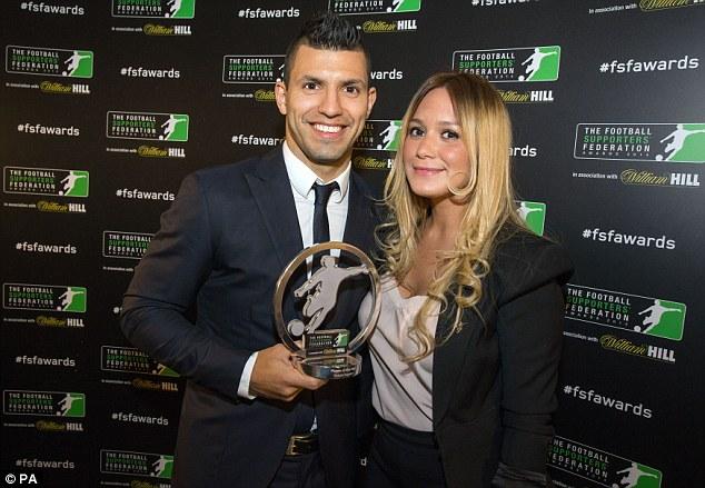 Sergio Aguero cùng bạn gái Karina Tejeda