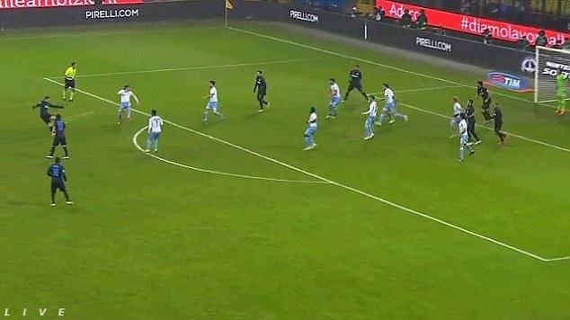 Kovacic (Inter Milan) đã ghi một bàn thắng cực kỳ đẹp mắt