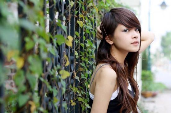 Trước khi góp mặt trong 5S Online, Chi Pu đảm nhiệm vai Linh trong bộ phim  truyền hình dài tập Giọt nước rơi. Với 5S Online, vai diễn Nana công chúa  dễ ...