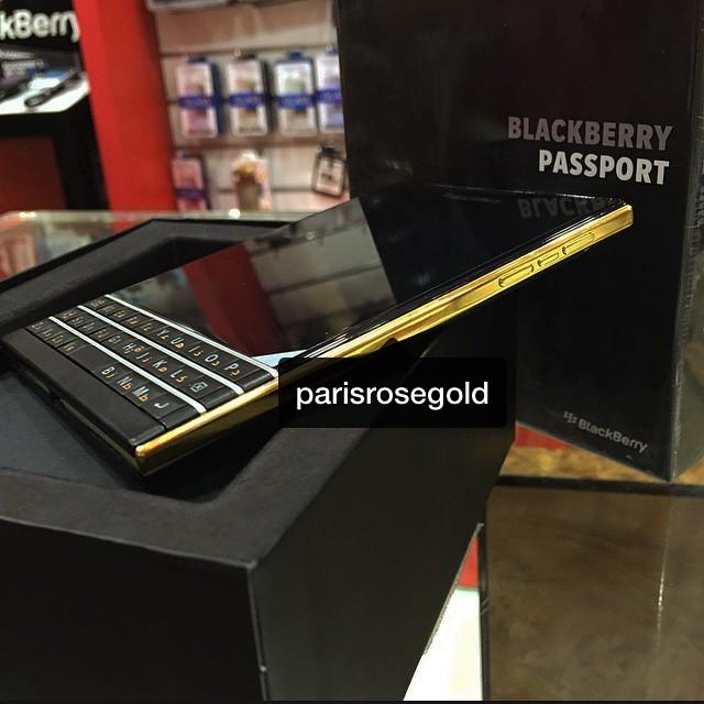 Hình ảnh gây nghi vấn về độ xác thực của BlackBerry Passport phiên bản Gold Edition