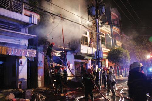 Nguy cơ cháy nổ tiềm ẩn từ những căn nhà ống