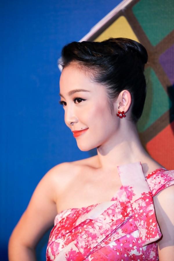"""""""Soi"""" tóc đẹp và đẳng cấp của sao Việt tại Elle Fashion Show 3"""