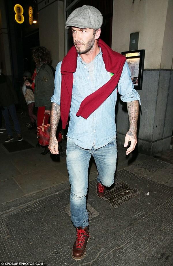 Becks trông bụi bặm với gu thời trang ấn tượng
