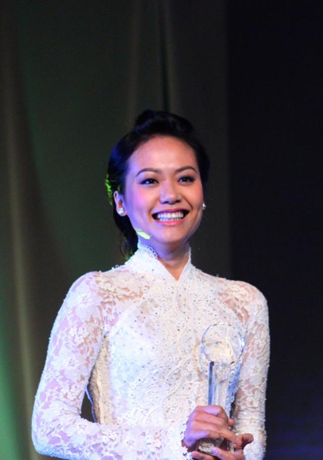 Người đẹp Tây Đô, Việt Trinh, Đơn Dương
