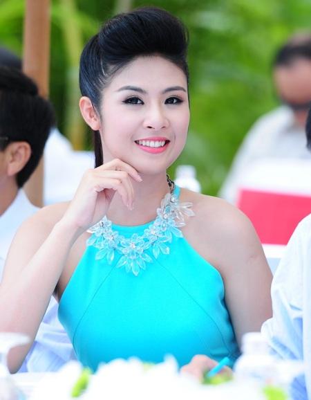 Giám khảo - Hoa hậu Ngọc Hân háo hức trước phần thi