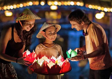 Ánh đèn đêm hội - Lê Trọng Khang - Giải 1