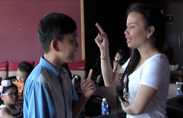 XEM BÁO - Giọng hát Việt nhí : Huyền Trân không sợ bị chê một màu
