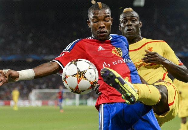 Một trận đấu đáng quên của Balotelli (áo vàng) và các đồng đội.