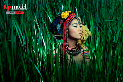 Thí sinh Next Top Model hóa thổ dân da đỏ - 9