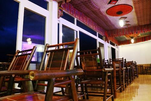 Đây cũng là nơi du khách có thể trải nghiệm những đặc sắc về văn hóa, con người vùng núi Mai Châu.
