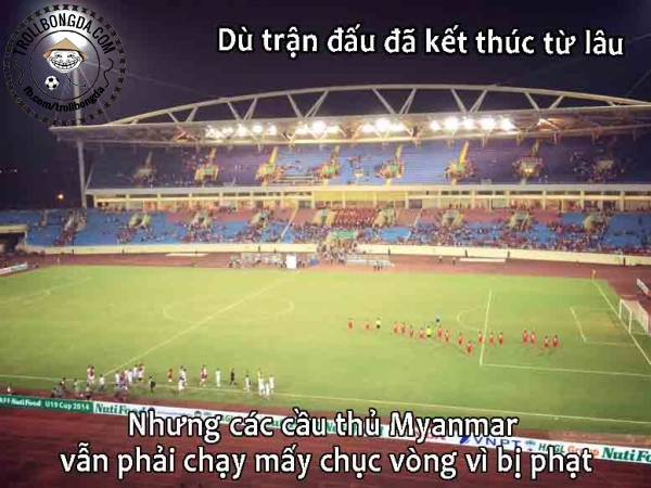 HLV đội U19 Myanmar tỏ ra là người cực kỳ nghiêm khắc.