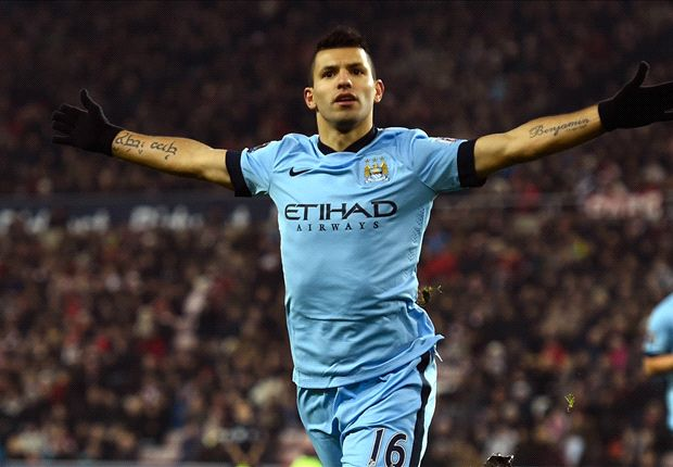 Sergio Aguero lập một cú đúp trong chiến thắng 4-1 của Man City