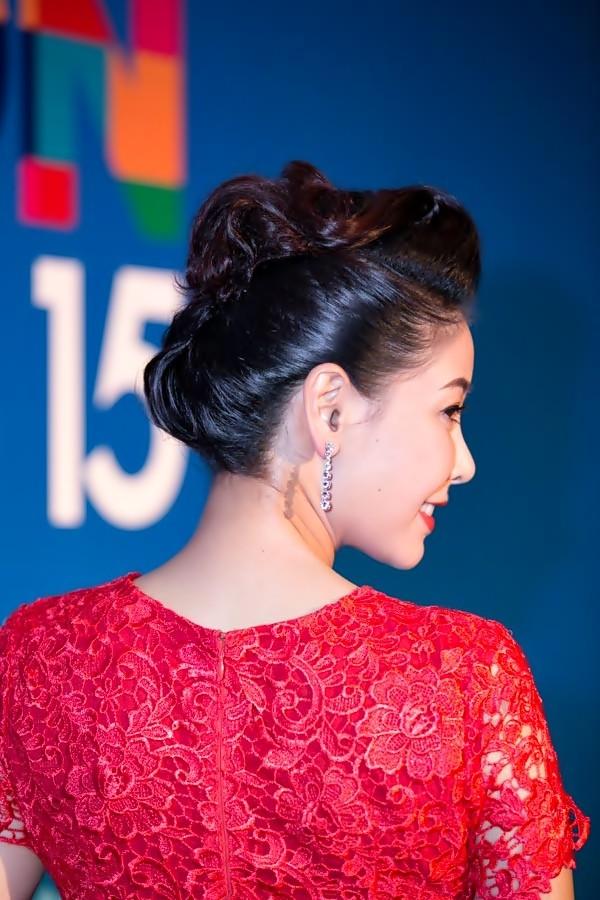 """""""Soi"""" tóc đẹp và đẳng cấp của sao Việt tại Elle Fashion Show 7"""