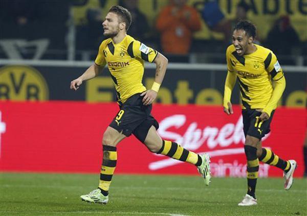 Cặp tiền đạo Aubameyang và Ciro Immobile không thể giúp Dortmund giành chiến thắng