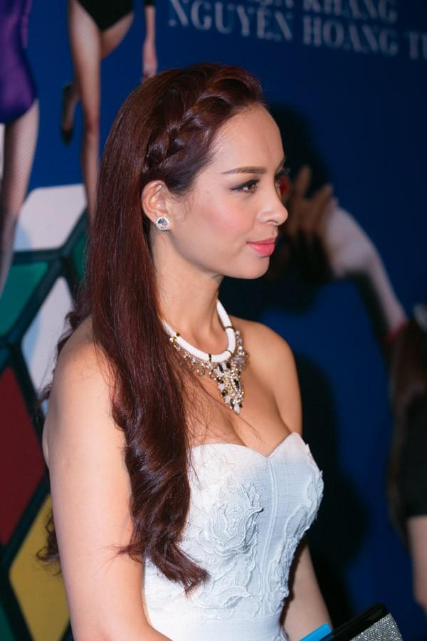"""""""Soi"""" tóc đẹp và đẳng cấp của sao Việt tại Elle Fashion Show 8"""