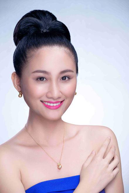 Thí sinh Phan Thị Thanh Nhàn đến từ Đồng Nai. Cô hiện làm giám đốc marketing cho một công ty tổ chức sự kiện tại TP HCM. Thanh Nhàn luôn tỏ ra khéo léo trong ứng xử với mọi người