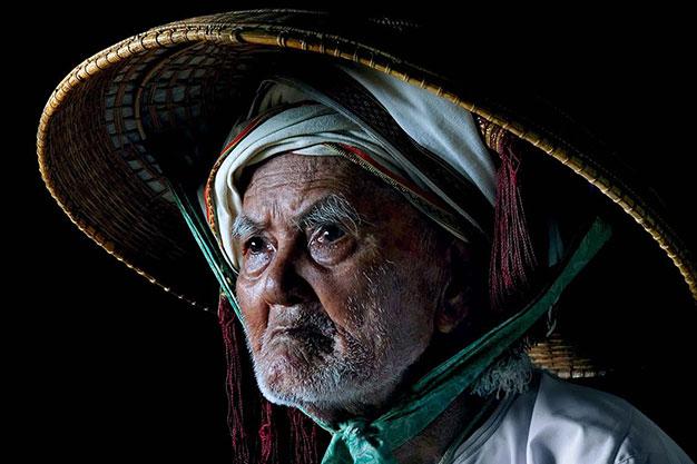 Bức ảnh gốc Sắc phục Chăm của Đỗ Hữu Tuấn tham dự cuộc thi ảnh quốc tế ISF 2014