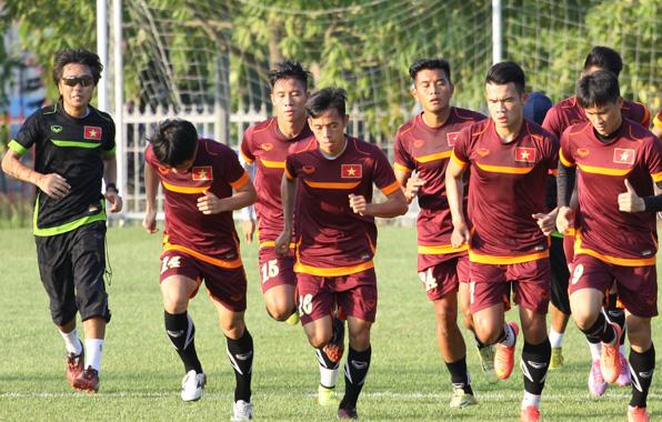 Văn Quyết cùng các đồng đội sẽ đưa đội tuyển Việt Nam vào chung kết AFF Cup 2014