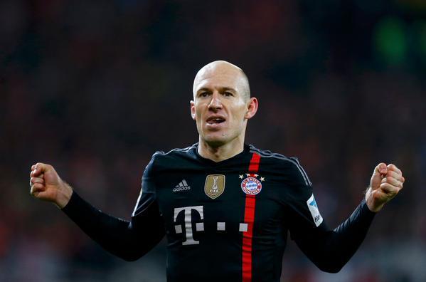 Người hùng Robben ghi bàn ở phút 90