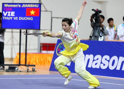 Ngoài tấm HCV của Dương Thúy Vi, Wushu còn mang về cho thể thao Việt Nam một tấm HCĐ nhờ công của VĐV Nguyễn Mạnh Quyền.