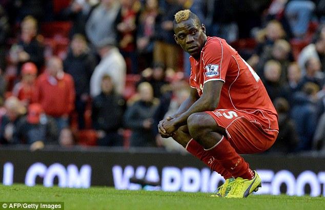 Balotelli vẫn chưa thể hiện được gì kể từ khi tới Anfield.