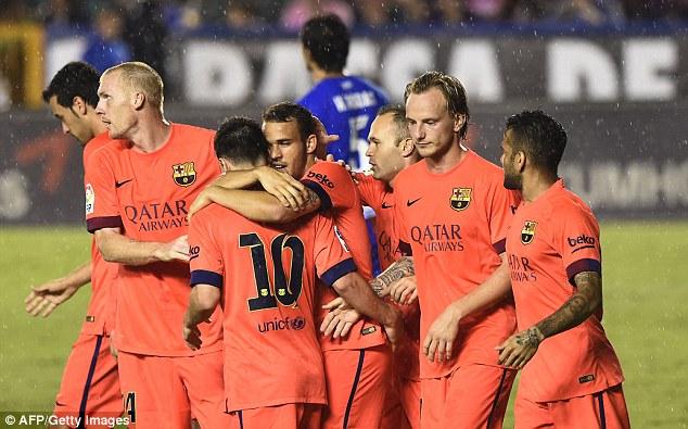 Barcelona có bàn tay nhỏ trước Levante